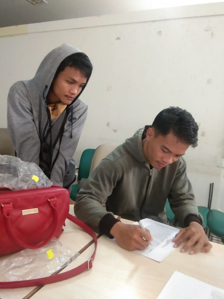 Penyerahan Bantuan Ramadhan kepada Mahasiswa terdampak covid-19